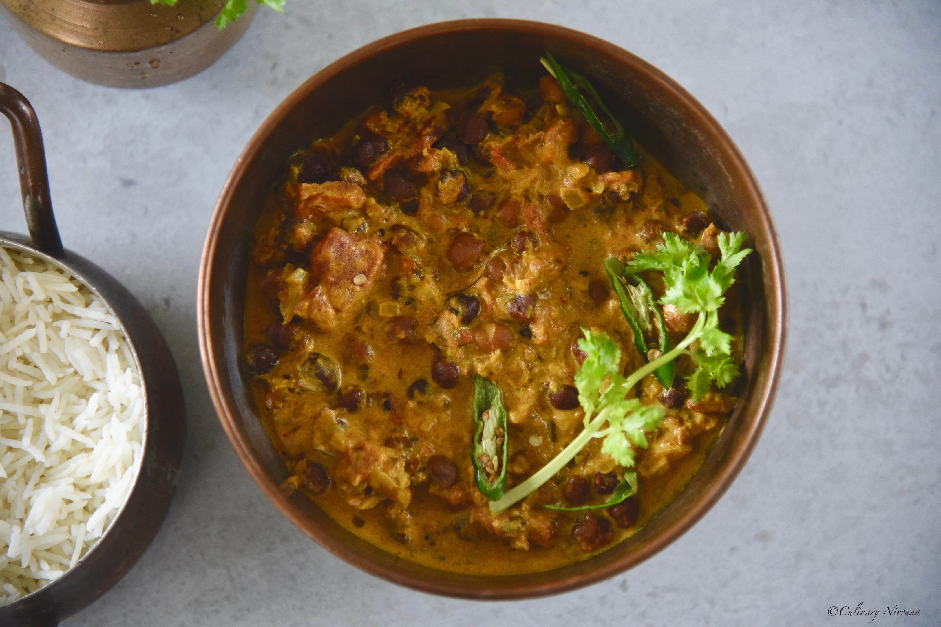 Kala Chana in Yoghurt Gravy