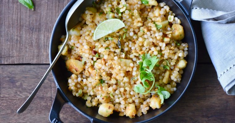 Sabudana Khichadi/ Tapioca cooked with potatoes